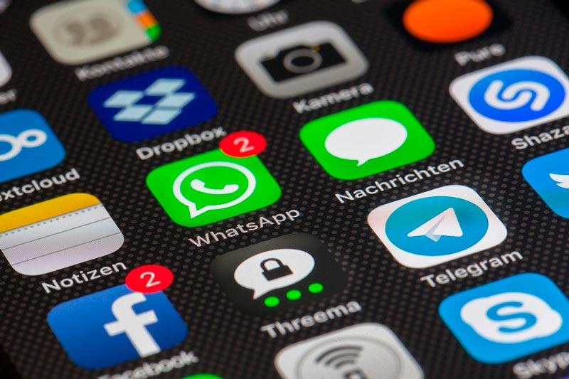 Con esta guía pretendemos enseñarte que opciones tenemos a la hora de poder restaurar mensajes borrados en Whatsapp a través de Android o Iphone